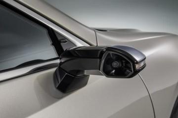 雷克萨斯ES欧版车型运用摄像头后视镜国内等待法令出台