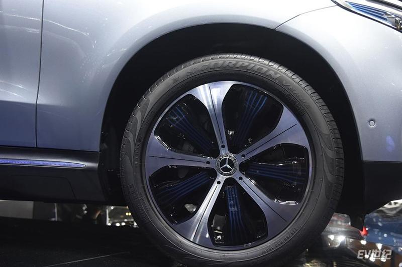 不到50万的奔驰纯电动,奔驰EQC350亮相深港澳车展