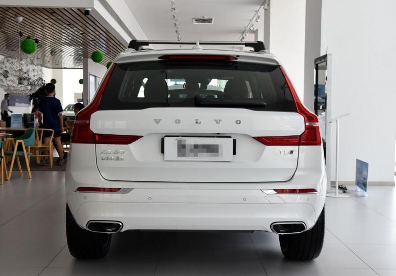 最便宜的豪华SUV来啦,猛降8万,2.0T+8AT,沃尔沃XC60真霸气